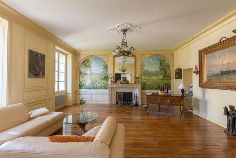 Sale house / villa La ville du bois 549000€ - Picture 1