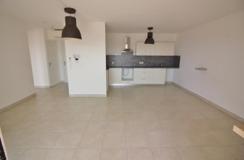 Location appartement Speracedes 780€ CC - Photo 1