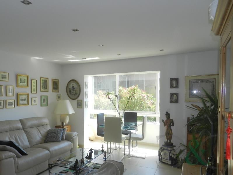 Sale apartment Le lavandou 275600€ - Picture 2