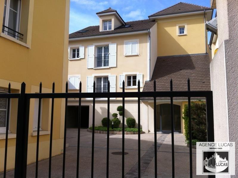 Rental apartment Verrieres le buisson 890€ CC - Picture 4