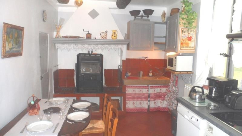 Rental apartment Aix en provence 1 300€ CC - Picture 3