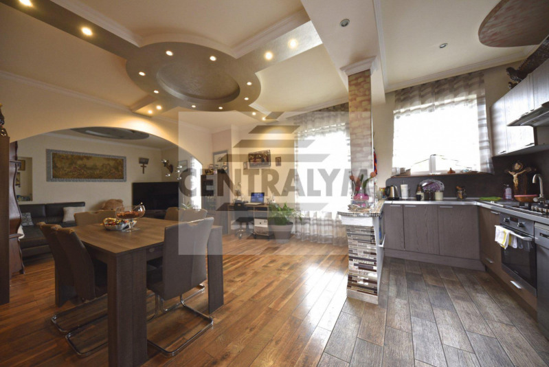 Vente de prestige maison / villa Villeurbanne 730000€ - Photo 1