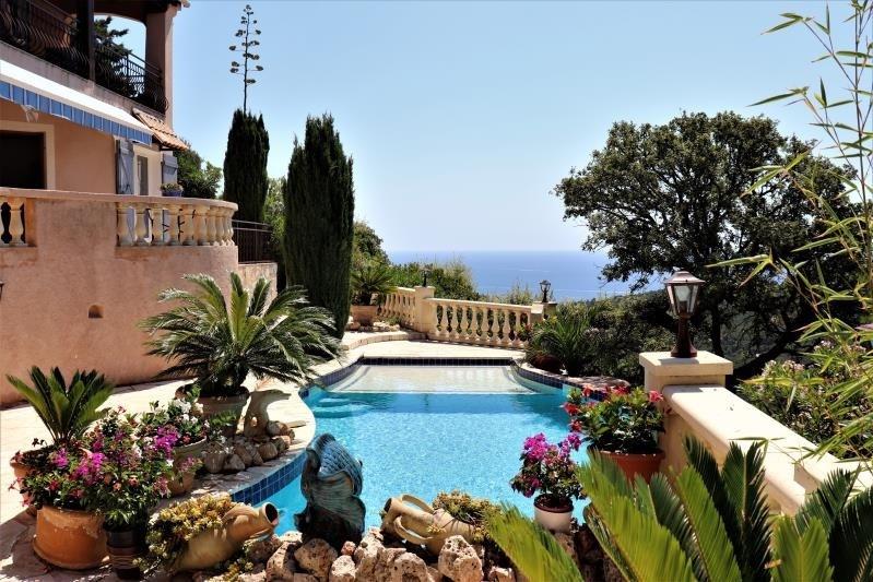 Deluxe sale house / villa Cavalaire sur mer 897000€ - Picture 3