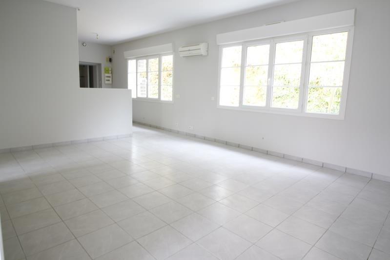 Sale apartment Gelos 118500€ - Picture 3