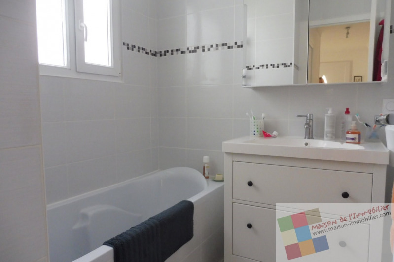 Sale house / villa Royan 325500€ - Picture 4