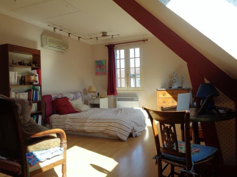Sale house / villa Forges les bains 295000€ - Picture 7