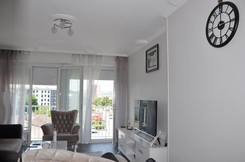 Sale apartment Oyonnax 109000€ - Picture 2