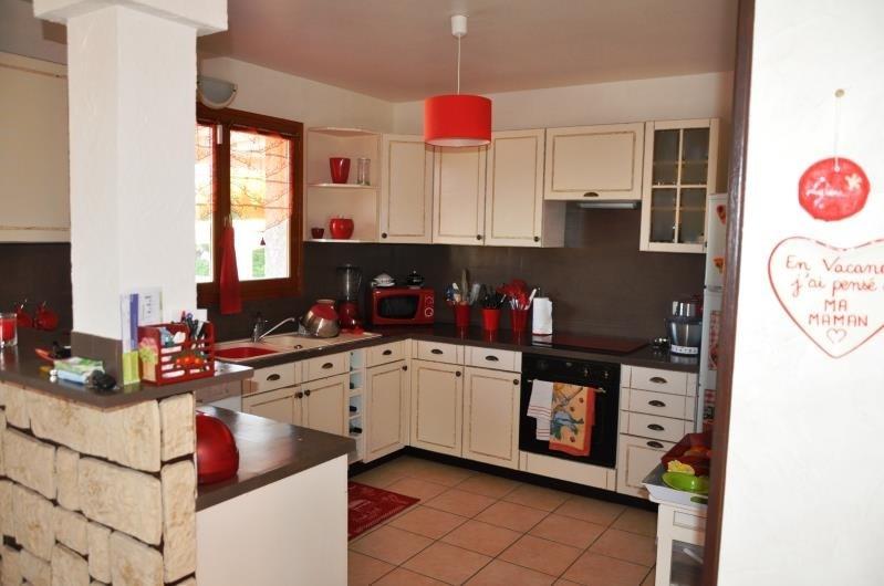 Sale house / villa Clonas sur vareze 330000€ - Picture 4