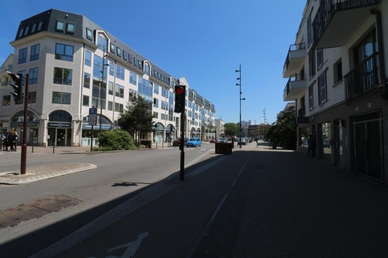 Location local commercial Viroflay 1 590€ HT/HC - Photo 1