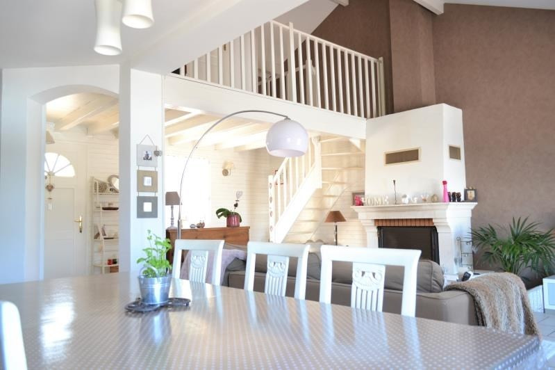 Sale house / villa St just chaleyssin 494000€ - Picture 10