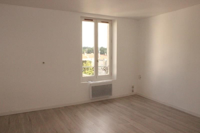 Rental apartment Jouy sur morin 600€ CC - Picture 3