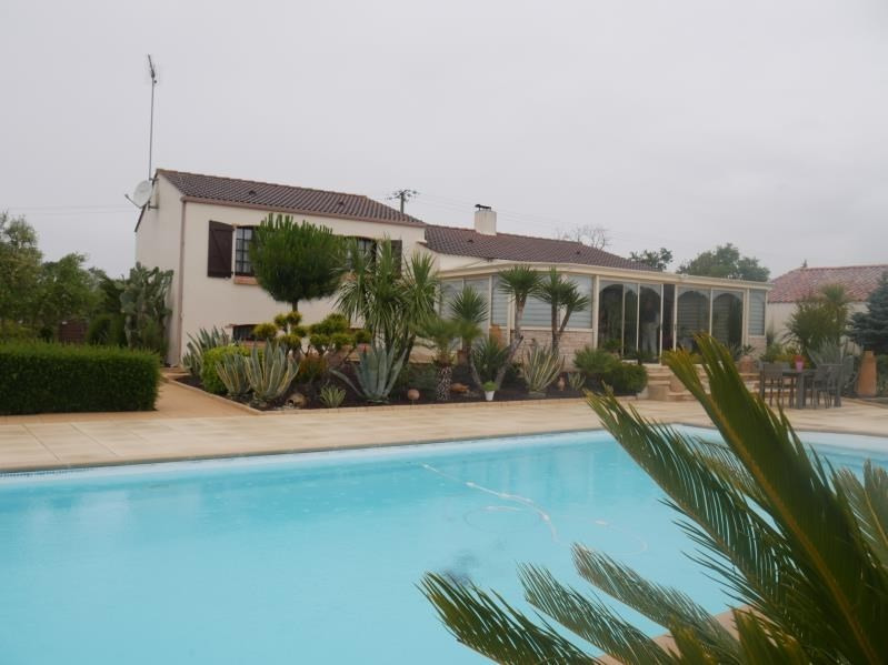 Sale house / villa St hilaire la foret 442000€ - Picture 1