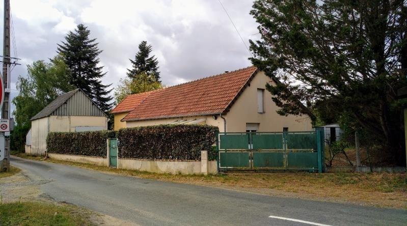 Sale house / villa Yvre l'eveque 146500€ - Picture 1