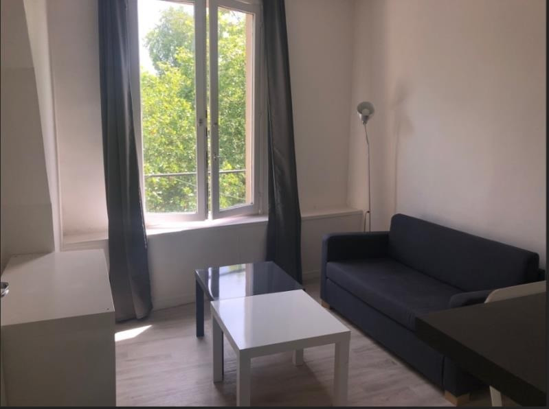 Location appartement Versailles 793€ CC - Photo 1