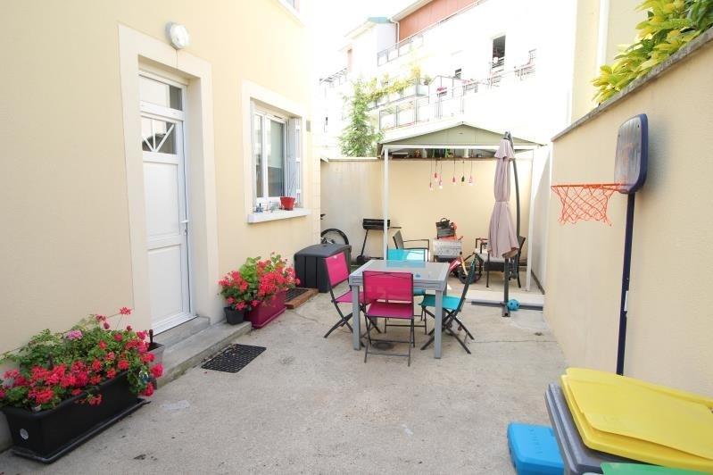 Location maison / villa Rueil malmaison 1085€ CC - Photo 1