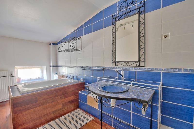 Deluxe sale house / villa Pouilly le monial 625000€ - Picture 14