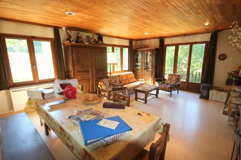 Sale house / villa St ours 268000€ - Picture 2