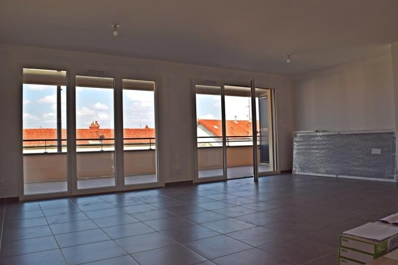 Sale apartment Riorges 182 000€ - Picture 2