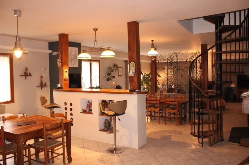 Sale house / villa La ferte gaucher 205000€ - Picture 5