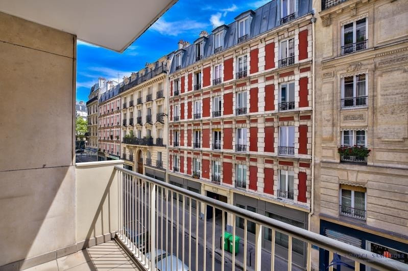 Sale apartment Paris 11ème 670 000€ - Picture 1