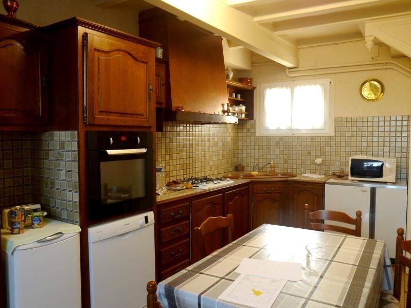 Sale house / villa Pons 164300€ - Picture 2