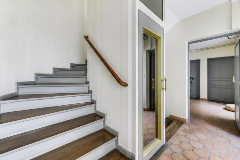 Deluxe sale apartment Paris 10ème 998000€ - Picture 10