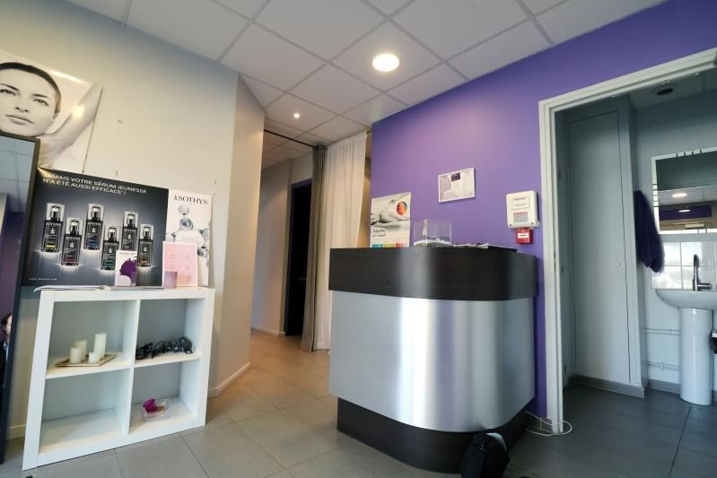 Location local commercial Viroflay 1 590€ HT/HC - Photo 2