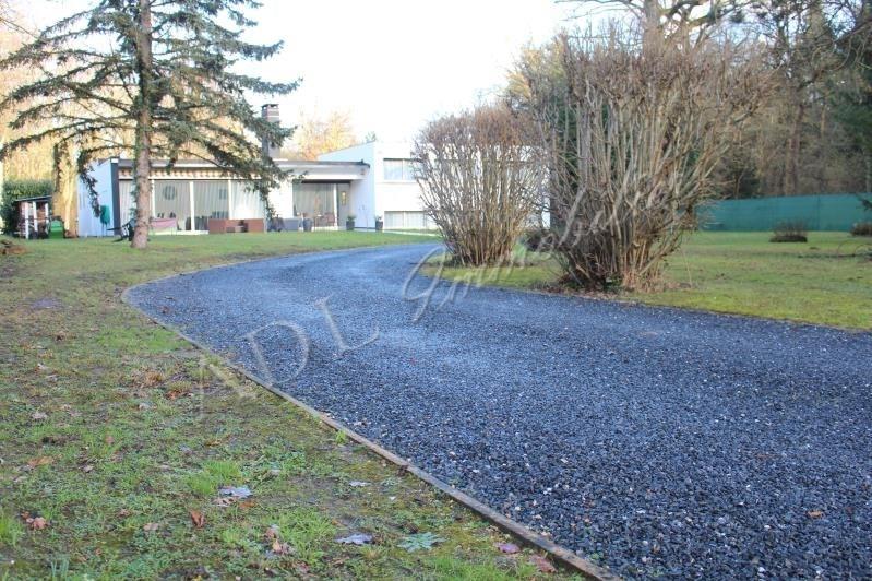 Deluxe sale house / villa Lamorlaye 820000€ - Picture 2