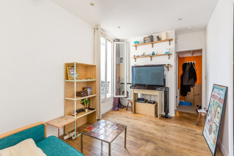 Vente appartement Paris 18ème 240 000€ - Photo 2