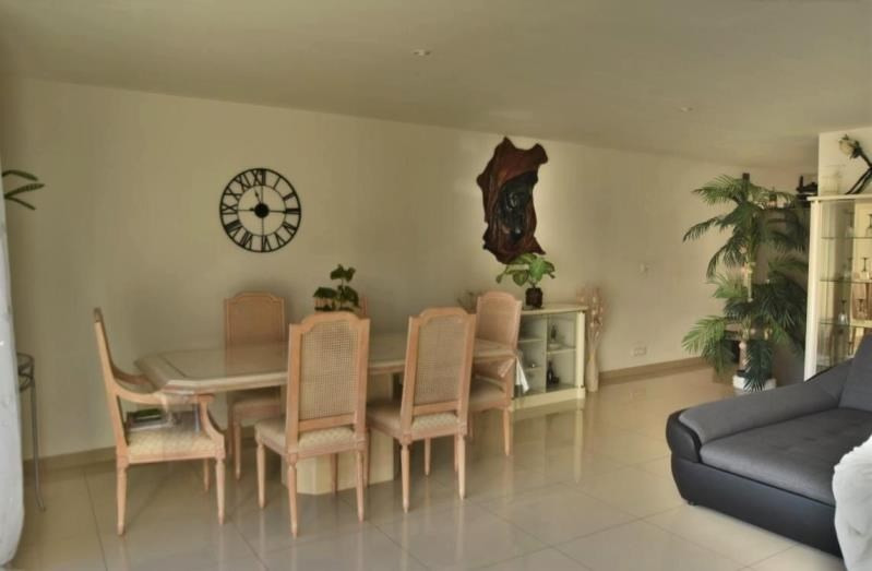 Sale apartment Rousset 299000€ - Picture 2