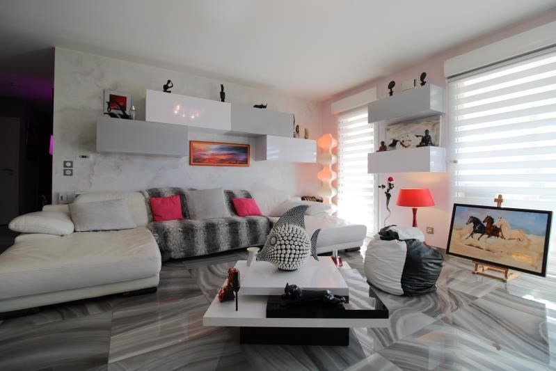 Deluxe sale apartment Seynod 558000€ - Picture 2