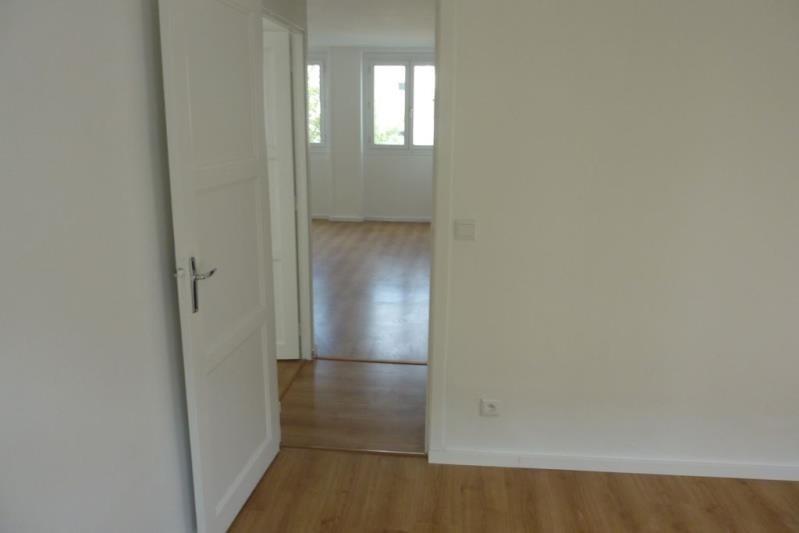 Location appartement Rueil malmaison 948€ CC - Photo 3