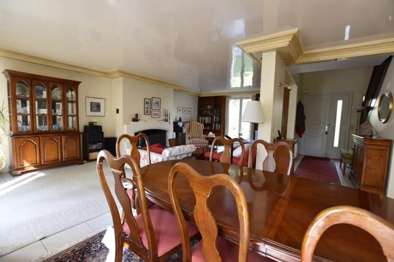 Sale house / villa St nom la breteche 730000€ - Picture 2
