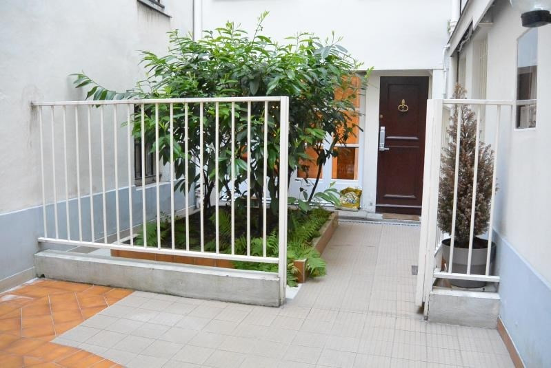 Sale apartment Paris 1er 649000€ - Picture 1