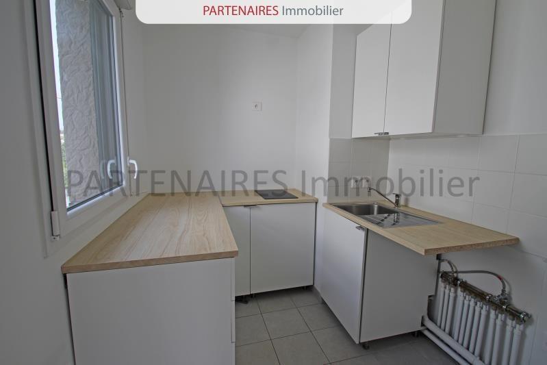 Rental apartment Rocquencourt 1389,88€ CC - Picture 3