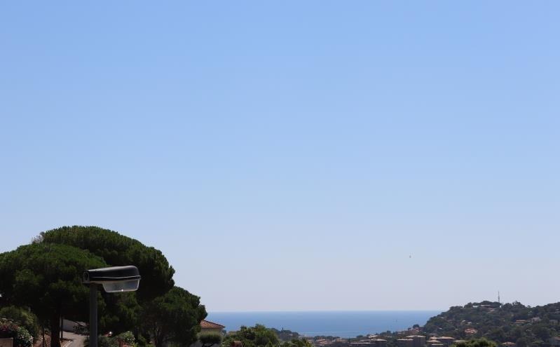 Deluxe sale house / villa Cavalaire sur mer 595000€ - Picture 2
