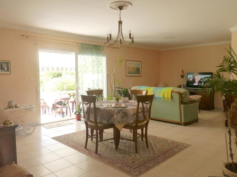 Sale house / villa Gemozac 240 350€ - Picture 3