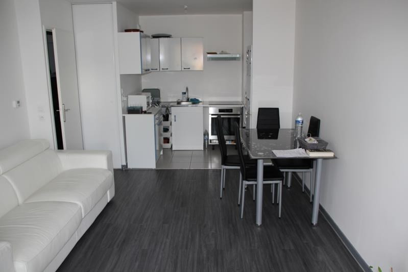 Rental apartment Osny 800€ CC - Picture 2
