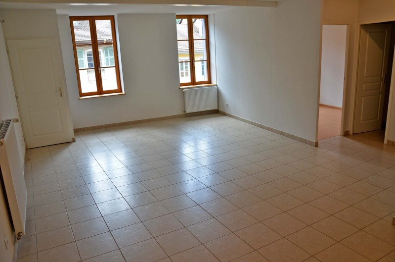 Rental apartment Nantua 429€ CC - Picture 2