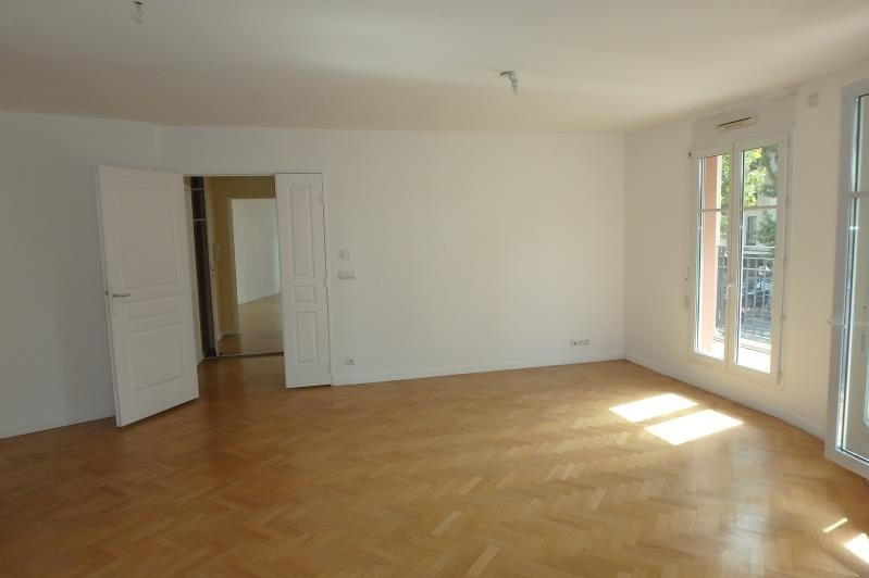Location appartement Viroflay 1 384€ CC - Photo 2