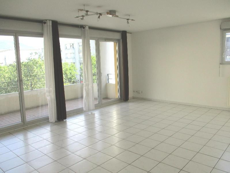 Location appartement - 790€ CC - Photo 1
