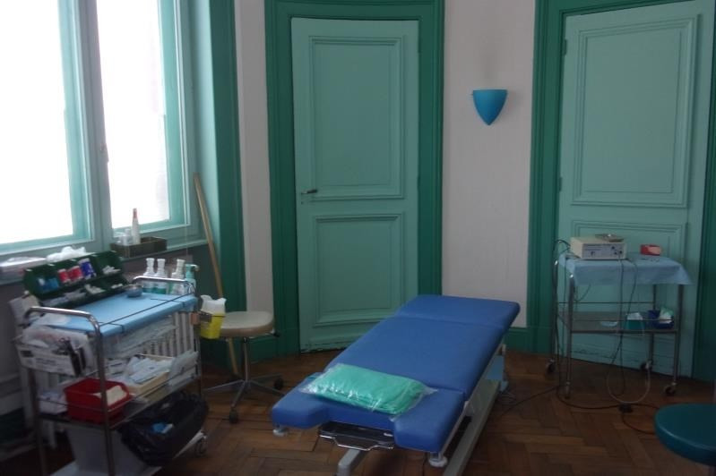 Location local commercial Armentieres 2 083€ HT/HC - Photo 2