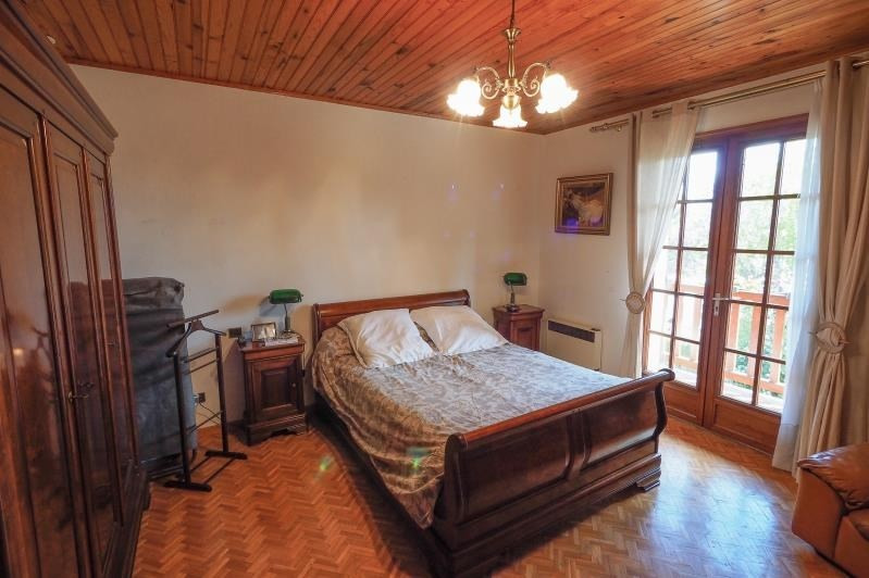 Sale house / villa Cubzac les ponts 299000€ - Picture 6