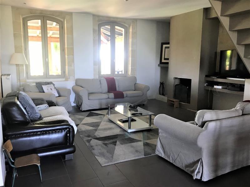 Sale house / villa St medard de guizieres 323000€ - Picture 2