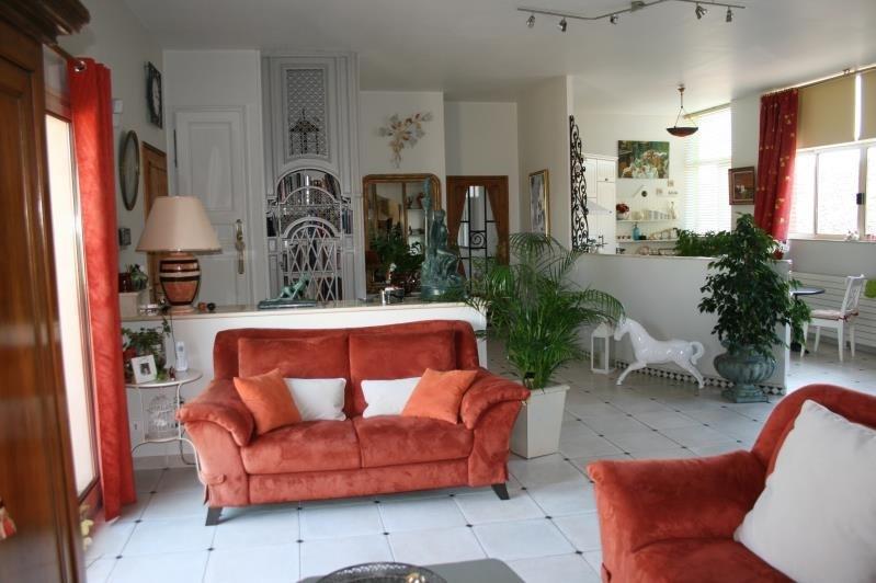 Vente maison / villa Machault 580000€ - Photo 4
