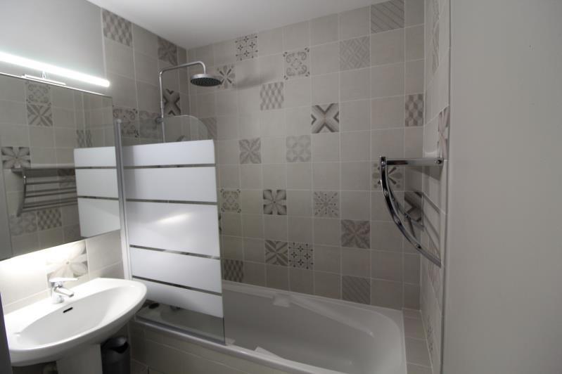 Locação apartamento Voiron 590€ CC - Fotografia 4