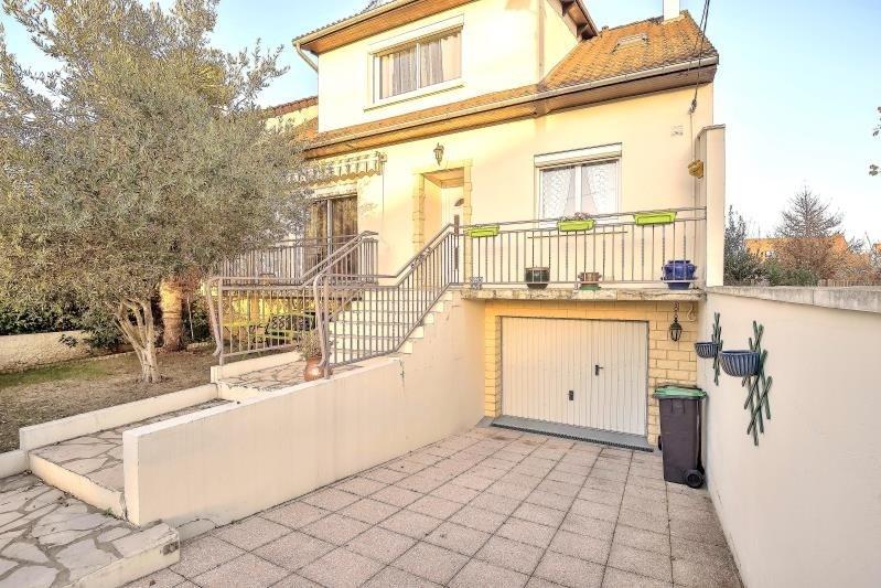 Sale house / villa Ste genevieve des bois 395000€ - Picture 1