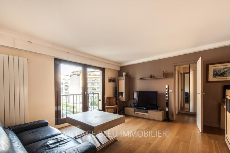 Sale apartment Courbevoie 370000€ - Picture 2
