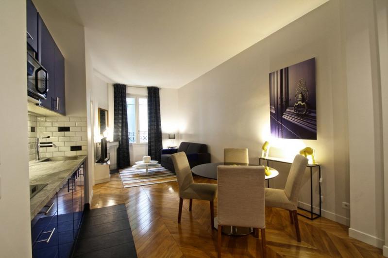 Location appartement Paris 18ème 1580€ CC - Photo 1