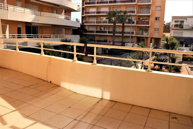 Sale apartment Cavalaire sur mer 380 000€ - Picture 2